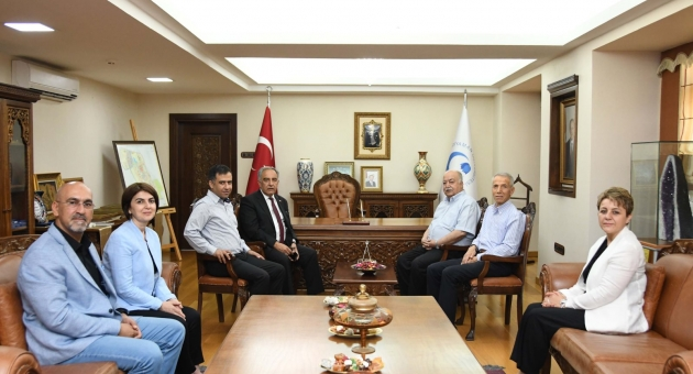 Esnaf Kooperatifi Başkanı Aslantürk'ten Rektör Turgut'a Ziyaret