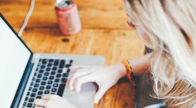 Ev Kadınları İnternet Bağımlısı Oldu