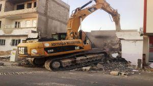 Fatih Mahallesi'nde Kamulaştırılan Yapılar Bir Bir Yıkılıyor