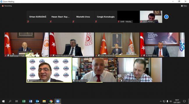 Gaziantep'te 'Türkiye'nin Makinesini Büyüten Şehirler–2 Gaziantep' toplantısı yapıldı