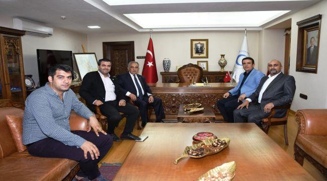 Genç Girişimcilerden Rektör Turgut'a Ziyaret