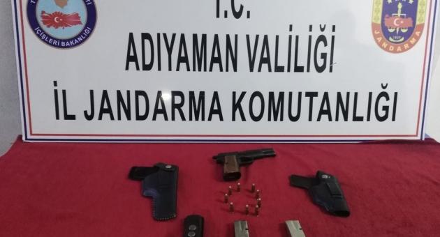 Gerger'de Ruhsatsız Tabancaya 1 Gözaltı