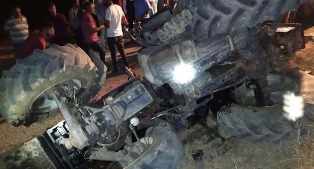 Gerger'de Traktör Devrildi:1 Yaralı