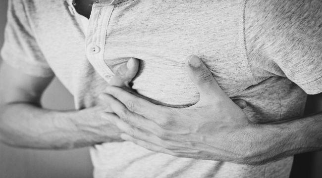 Göğüs ağrısı olanların yarısı hastaneye başvuruyor, evde ölümler arttı