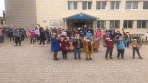 Gölbaşı Güncel Gazetesi'nden öğrencilere kitap desteği