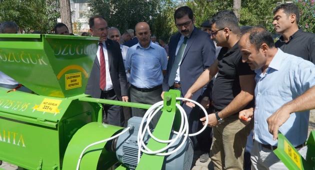 Gölbaşında Badem, Ceviz Kabuğu Soyma Makinası Dağıtıldı