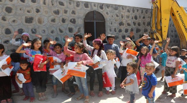 Gülümseyen Baret Derneği'nden Çocuklara Bayramlık
