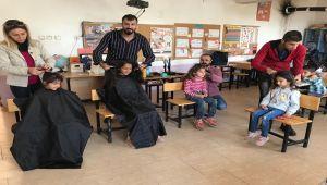 Gülümseyen Baret Derneği'nden Köy Çocuklarına Saç Bakımı