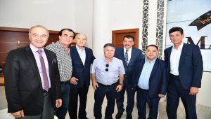 Hababam Sınıfı Oyuncularından Başkan Gürkan'a Ziyaret