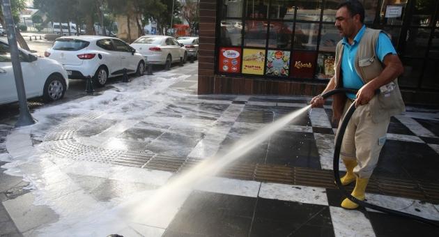 Haliliye Belediyesinden İlaçlama Ve Temizlik Çalışması