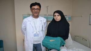 Hastanın Böbreğinden Bir Avuç Taş Çıkartıldı