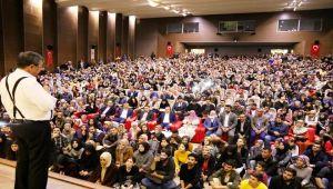 Hayati İnanç'tan Muhteşem Konferans