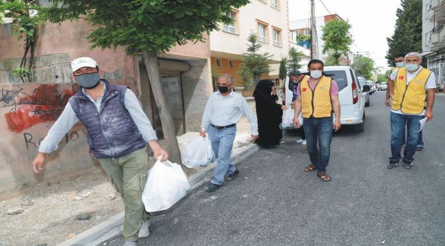 İyilik-Der'den ihtiyaç sahibi 600 aileye destek