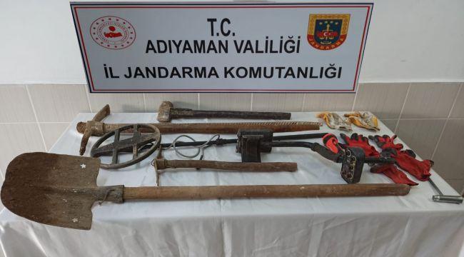 Jandarma'dan Kaçak Kazı Operasyonu: 4 Gözaltı