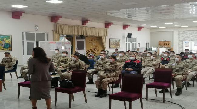Jandarma personeline KADES ve aile içi şiddetle mücadele eğitimi
