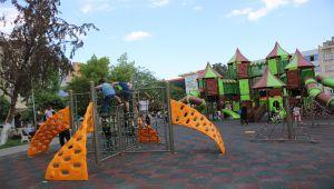 Kademeli normalleşme sonrası parklar çocuklarla şenlendi - Videolu Haber