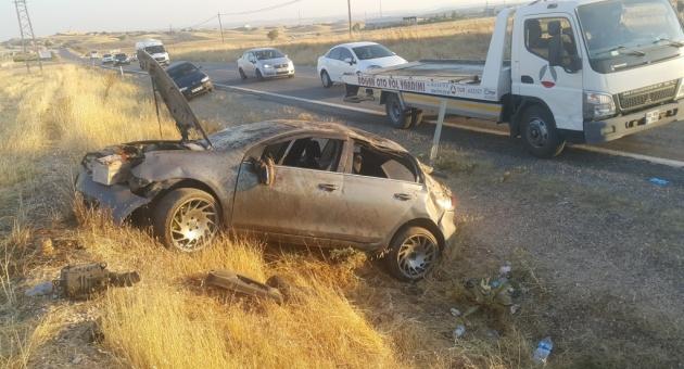 Kahta'da Otomobil Şarampole Devrildi: 5 Yaralı