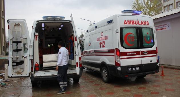 Kahta'da Taşlı, Sopalı Kavga: 3 Yaralı