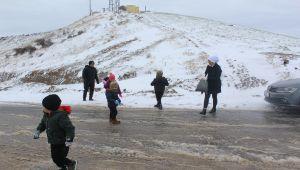 Kahtalıların Karakuş Tümülüsü'nde kar keyfi - Videolu Haber