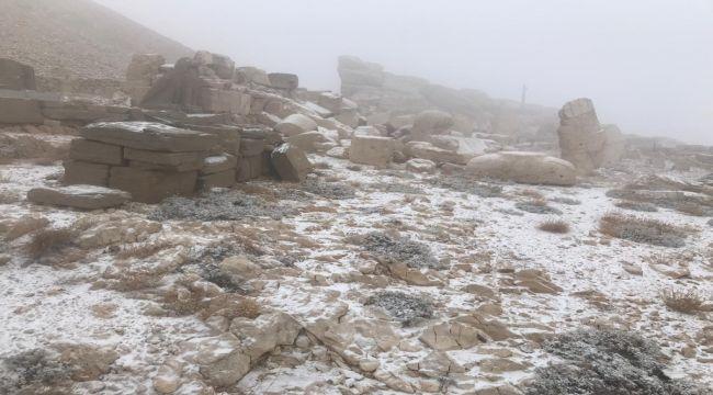 Kar Yağışından Kapanan Nemrut Dağ Yolu Açıldı