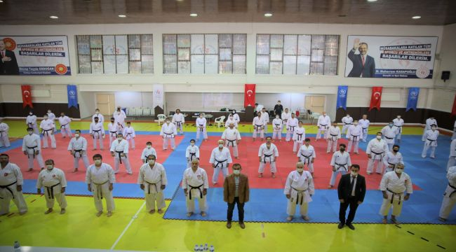 Karate antrenör, dan ve hakem eğitim semineri
