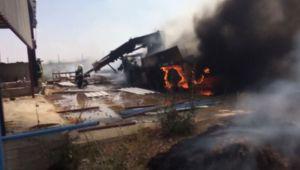 Kaynak esnasında yanan iş makinesi küle döndü - Videolu Haber