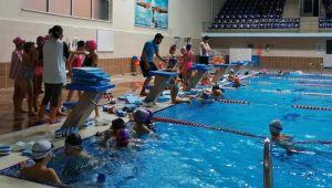 Kış Spor Okullarında Yüzme Kursu Eğitimleri Başladı