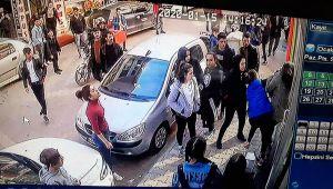 Liseli Kızların Kavgası Güvenlik Kamerasına Yansıdı - Videolu Haber