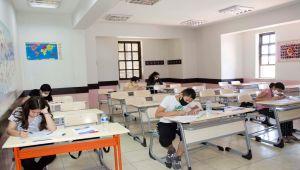 Malatya'da LGS'ye girecek öğrenciler deneme sınavına girdi