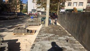 Mehmet Akif Mahallesi'nde Kaldırım Çalışması