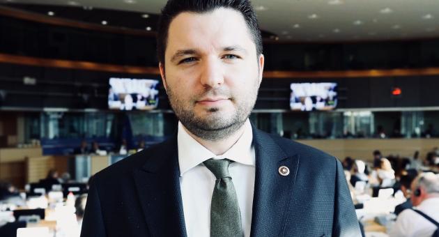 Milletvekili Toprak'tan 'Berat Kandili' Mesajı