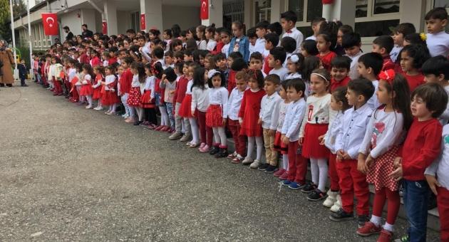 Minik Öğrenciler İstiklal Marşı'nın 10 Kıtasını Okudu - Videolu Haber