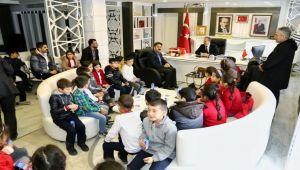 Minik Öğrencilerden, Başkan Kılınç'a Ziyaret