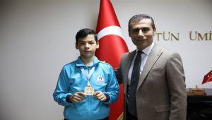 Muhammed, 12'den Vurdu, Türkiye Şampiyonu Oldu