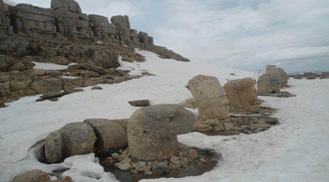 Nemrut Heykelleri Kış Uykusuna Yattı