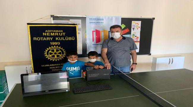 Nemrut Rotary Kulubü'nden şehit yakınına bilgisayar desteği