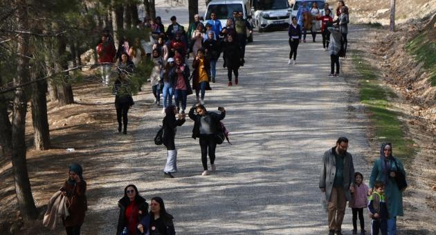 Öğrenciler Farkındalık İçin Yürüdüler - Videolu Haber