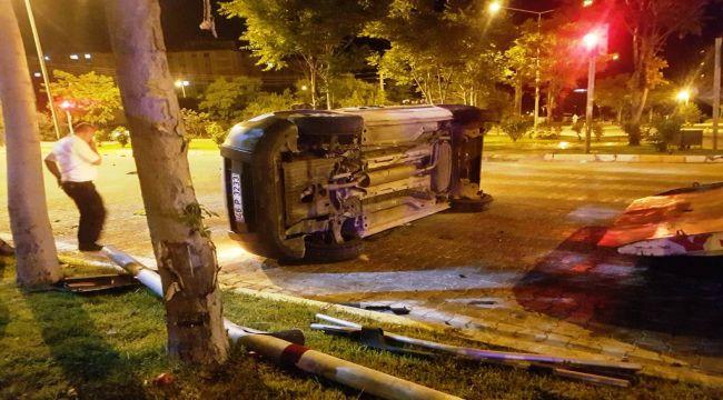 Otomobil ile hafif ticari araç çarpıştı: 7 yaralı