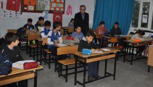 Özdemir: 30 Nisan'a Kadar Uzaktan Eğitime Devam Ediyoruz