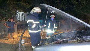 Park halindeki araç yandı - Videolu Haber