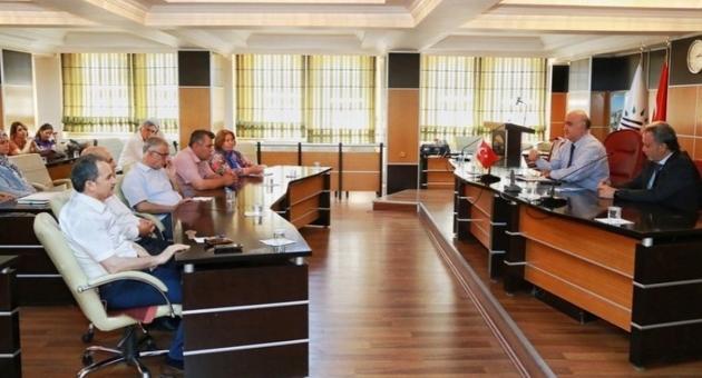 Prof. Dr. Güvenç, Adıyaman Belediyesi'nde Kümelenme ve Seracılığı Anlattı