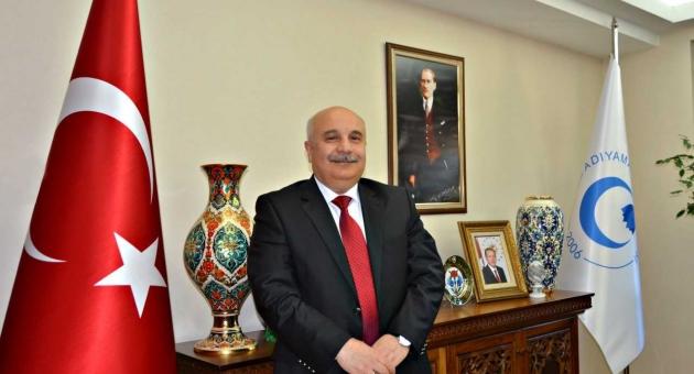 Rektör Gönüllüden, 19 Mayıs Atatürk'ü Anma Gençlik ve Spor Bayramı Kutlama Mesajı