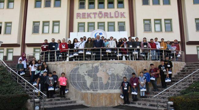 Rektör Turgut, Karamanlı Öğrencilerle Buluştu