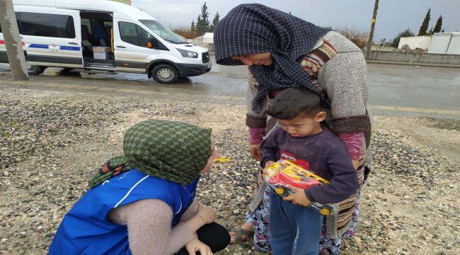 Samsatlı Depremzede Çocuklara Oyuncak Ve Kırtasiye Yardımı
