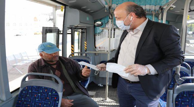 Şanlıurfa Büyükşehir Belediyesinden Vatandaşlara Ücretsiz Maske Dağıtımı - Videolu Haber