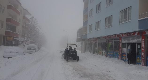 Sincik'te Ulaşıma Kar Engeli