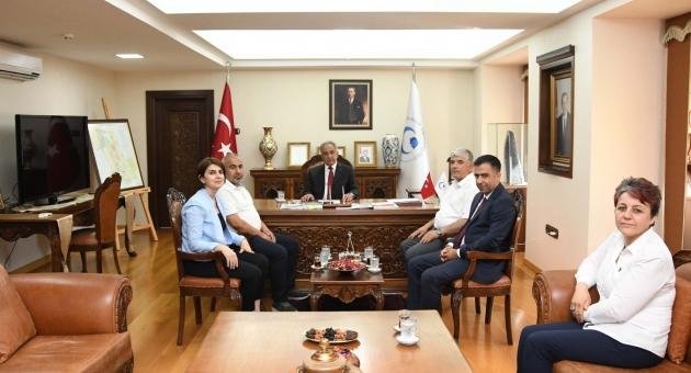 Tıp Fakültesi Dekanı Aydın'dan Rektör Turgut'a Ziyaret