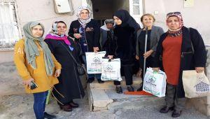 TOGEM'li Kadınlar, Yaşlı Kadının Evini Temizledi