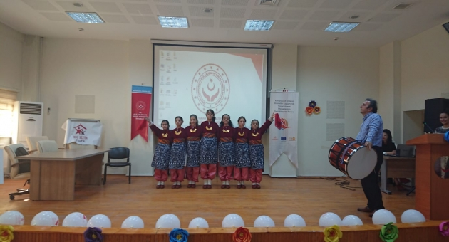 Türk ve Suriyeli Çocuklardan Nisan Ayı Etkinliği