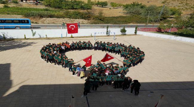 TUT ÇPL Öğrencilerinden Barış Pınarı Hareketine Destek